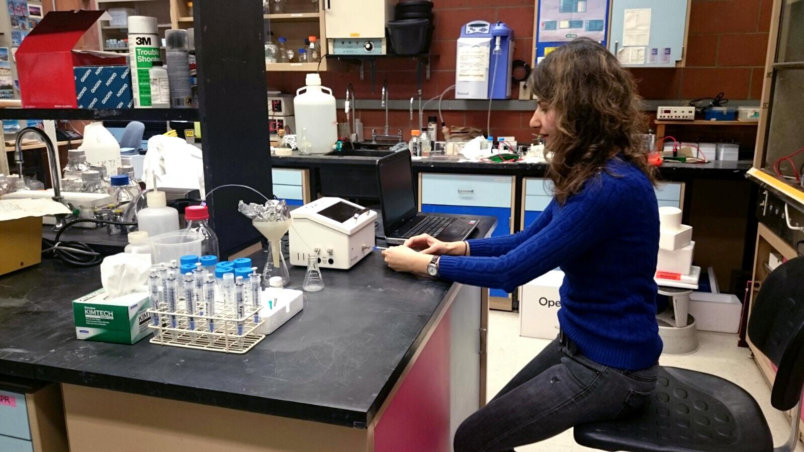 Graduate student of Dr. George Espie, Maryam Moazami-Goudarzi using Nicoya's benchtop OpenSPR.